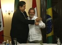 Presidents Alan García and Luiz Inácio Lula da Silva sign energy agreement. Credit: Presidencia de Peru
