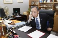 Secretary-General Ban Ki-moon discusses Libya with the head of Arab League in February 2011. Credit: UN Photo/Paulo Filgueiras