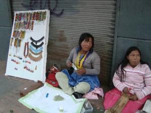 Emberá craftswomen on a street in Bogota.  Credit: Helda Martínez/IPS