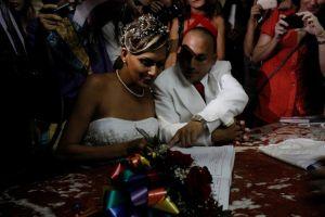 Wendy Iriepa and Ignacio Estrada are now wife and husband. Credit: Jorge Luis Baños/IPS