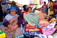 Aymara traders in El Alto, Bolivia. Credit: Franz Chávez/IPS.