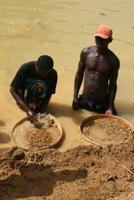 Washing diamonds in the Sandoh chiefdom in Kono district, Sierra Leone.  Credit: Anna Jefferys/IRIN