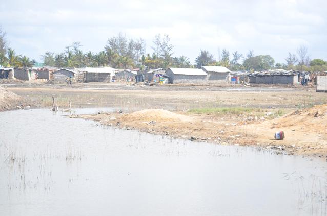 Im März wurden durch die Überflutungen ganze Viertel vom Rest der Stadt abgeschnitten (Andrew Mambondiyani/IPS).