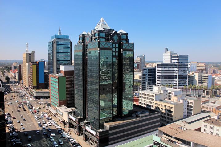 Blick auf die Main Street von Harare (Bild: Shutterstock.com)
