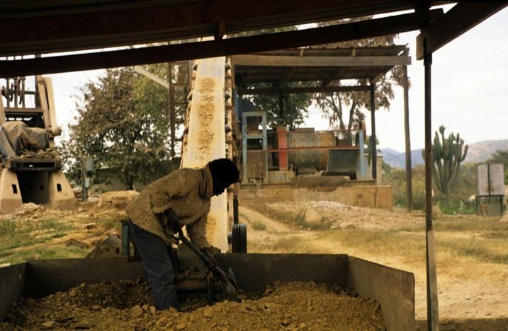 Goldgwinnung in Shamva in der Provinz Mashonaland im Nordwesten von Simbabwe (Bild: Kevin Walsh, CC BY 2.0)